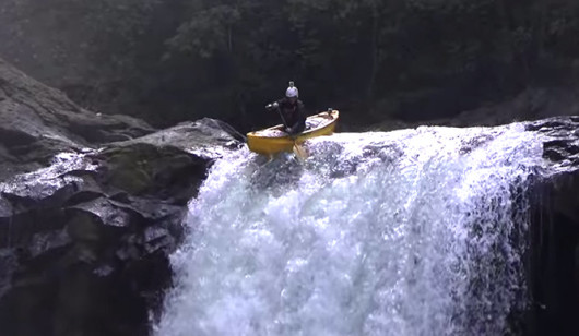 dropping-a-60-foot-waterfall-in-a-canoe